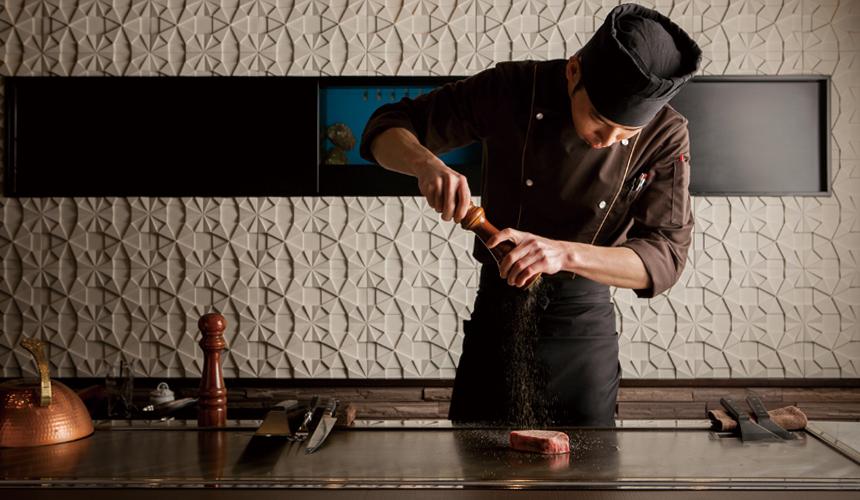 神户三宫名店「彩 SAI-DINING」厨师料理顶级美味A5等级神户牛排