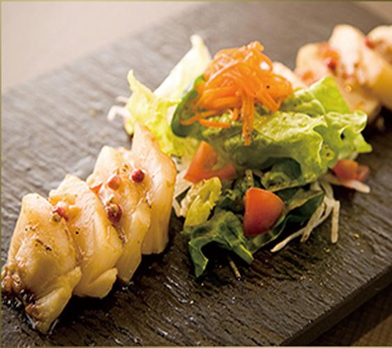 神户三宫名店「彩 SAI-DINING」的烧烤干贝
